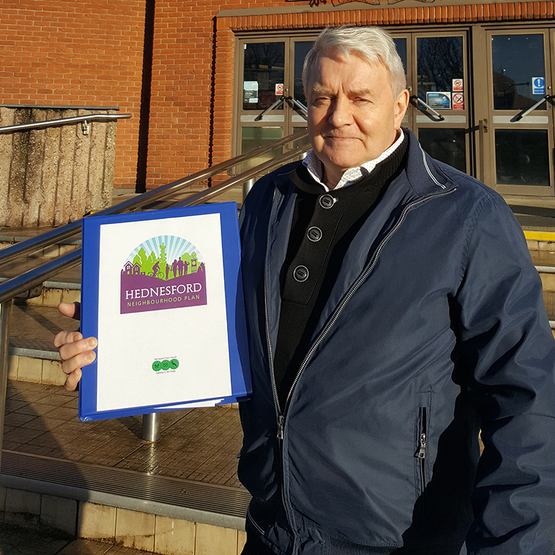 Statement from Cllr Brian Gamble Chair Hednesford Town Council Neighbourhood Plan Steering Group Today I was delighted that the Chairman of Hednesford Town Council (Cllr Alan Pearson) was able to submit to Cannock Chase Council the final version of the Neighbourhood Plan for Hednesford
